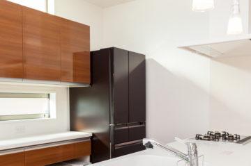 町田市の注文住宅 キッチン採光不足対策