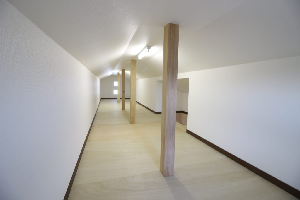 注文住宅の間取りで小屋裏 ロフト収納を説明するブログ